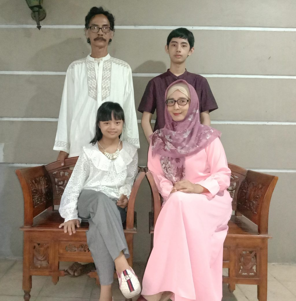 Rei with her family